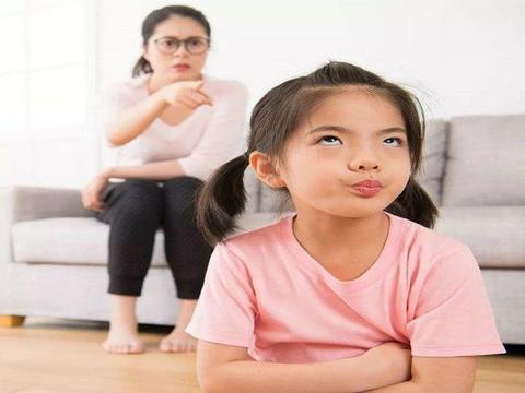 李玫瑾教授:孩子顶嘴时,要是你能接上这3句话,孩子将来会谢你