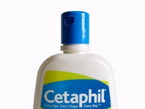 用什么洗面奶可以调理肌肤水油平衡?推荐深层清洁美白的洗面奶