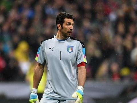 2006年世界杯冠军意大利23名球员今何在?42岁门将布冯依旧笑春风