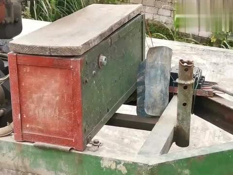 """广西农村独有的拖拉机,造型奇特,村民叫""""鸡公车"""",适合跑山路"""