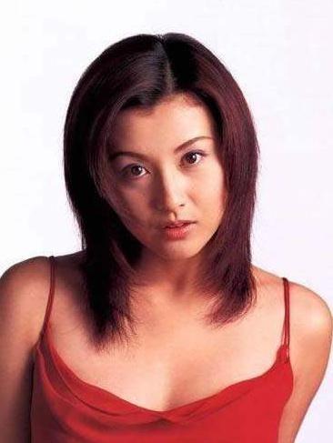 """当年让郭富城""""不顾一切""""的日本美人,今49岁过得怎么样了?"""