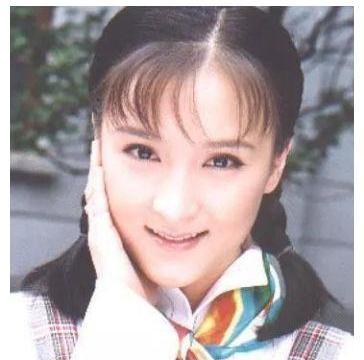 她23岁就已出名,嫁豪门被婆婆排斥,如今42岁活成冻龄少女!