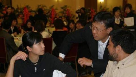 郭德纲的儿子已是大明星,姜昆的孩子在干嘛,差距大得你想不到