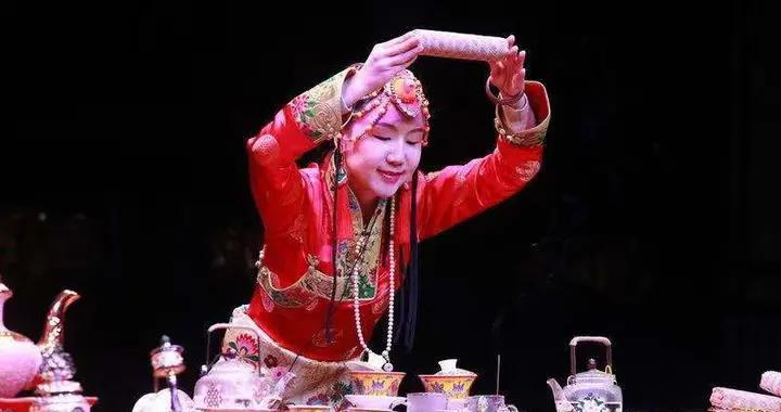 雅安雨城区带藏茶进蓉邀客,12月10日上里古镇年猪文化旅游节等你