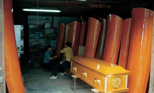 柳木棺那么出名,为何农村做棺材却不用柳木?