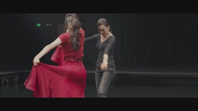 尔冬升拍的《舞台姐妹》 张月、马苏、黄奕演绎现实温暖