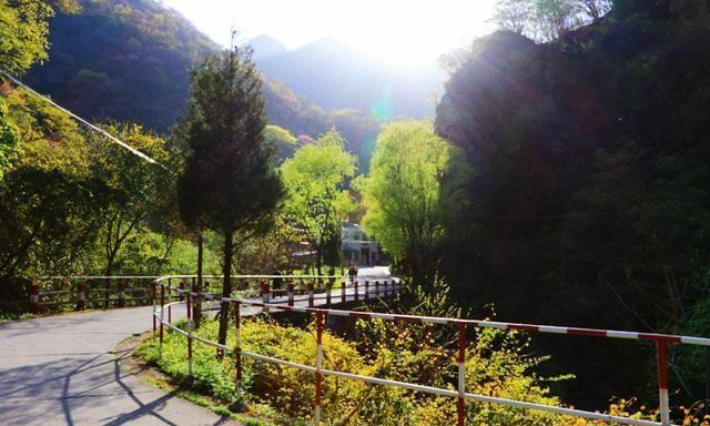 """陕西有处""""景美人少""""的公园,距西安44公里,门票65元不输九寨沟"""