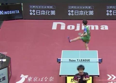 日本T联赛又尝败绩,张本智和抬腿长叹,奥运冠军之梦道阻且长