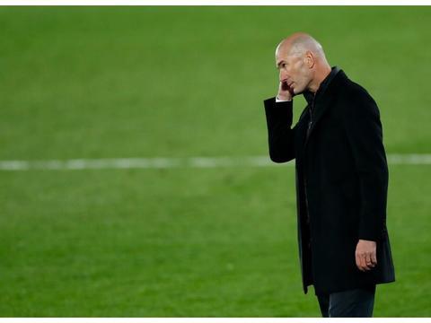 皇马巴萨同时无人入选最佳候选 连场双响 新C罗夺西甲月最佳