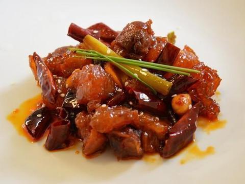 鱿鱼炒毛豆、素炒山药莲子、香辣牛蹄筋、猪肉炒秋葵的做法