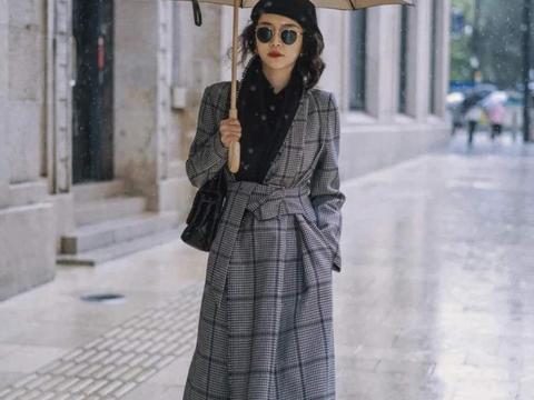 """换季不要乱穿衣,三木母女的""""大衣""""穿搭技巧,每一套都值得借鉴"""