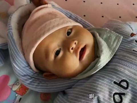 宝宝五个月有了自己的小脾气,手里有东西吃不到,小暴脾气开始了