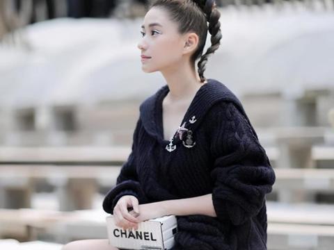 赌王女儿找到真爱了!29岁何超莲油头发型穿短裙同框窦骁,真美