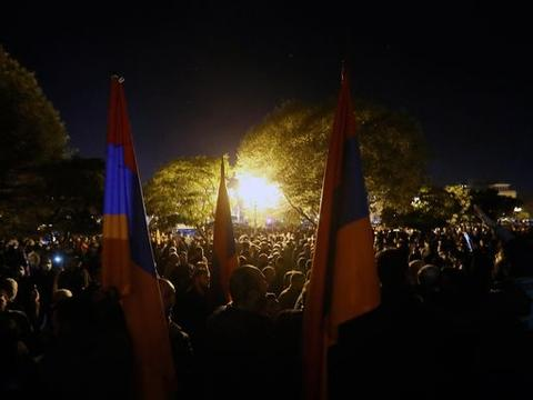 亚美尼亚总统向普京发出呼吁:帮助解救战俘和阿塞拜疆扣押人质