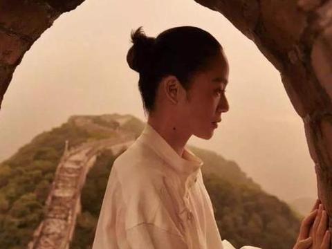 """周韵这些年的""""上位史"""":27岁嫁42岁姜文,慈眉善目但也霹雳手段"""