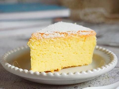 做了那么多的轻乳酪蛋糕,还是这个配方最好用,软嫩香浓不塌不缩