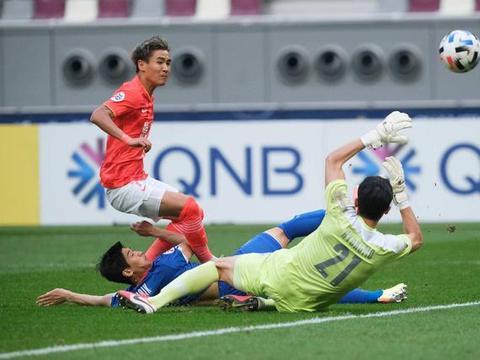 亚冠出局后,广州恒大的问题浮出水面,球迷呼吁:卡帅主动下课