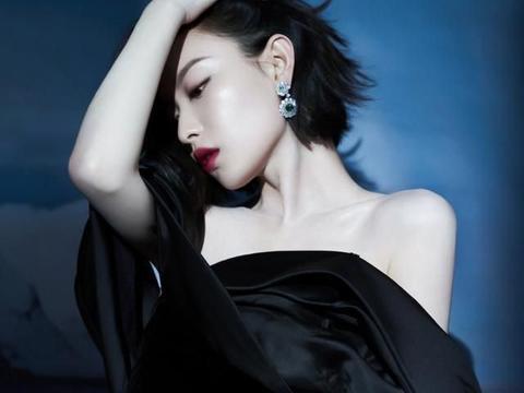 倪妮黑色抹胸礼服走红毯,身材纤细皮肤白到发光,网友:人间尤物