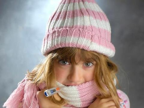 女性比男性更怕冷,是气血不足?别找借口了,与3个习惯关系更大