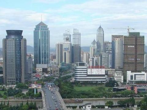 """苏州""""新崛起""""古镇,月收入1.6万,距市中心40公里"""