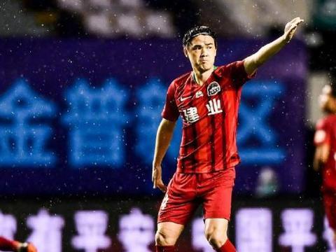 河南建业离队第一人确定,加盟后仅踢3场比赛,位置已被新援取代