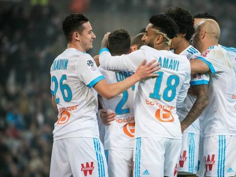 2-0,博阿斯赢了!5连胜后冲上联赛第二,巴黎头名位置恐不保