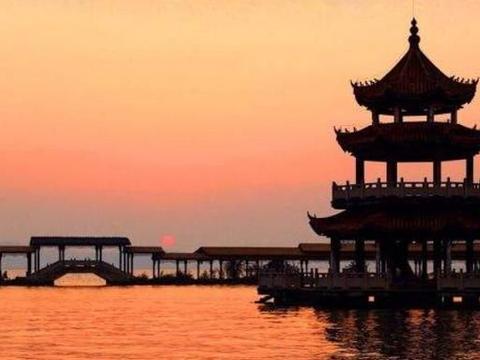 """江苏""""可惜""""的公园,耗资数亿开放4年破产,荒废15年仍无人接手"""