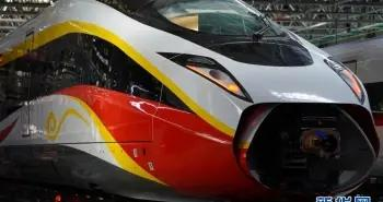 走进中车唐山时速400公里跨国互联互通高速动车组「图」
