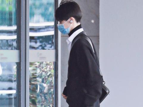 马嘉祺私服穿搭——简单干净,是疯狂心动的男孩没错了!