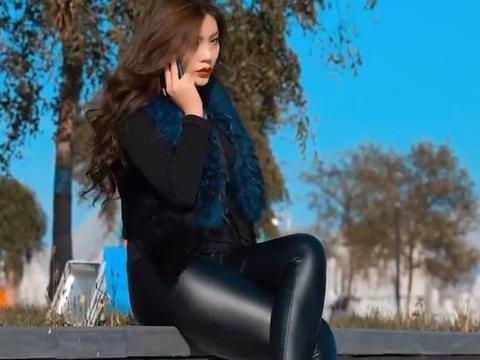 户外穿皮裤的小姐姐,总是美得另类