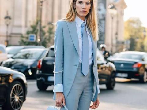 42岁女人想甩掉大妈感,就要少穿这3种衣服,显老土气掉档次