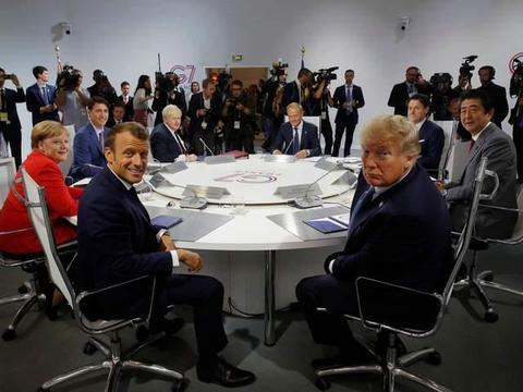 俄乌争斗是演双簧吗?明明已开战却不愿宣战,还愿两国做兄弟之邦