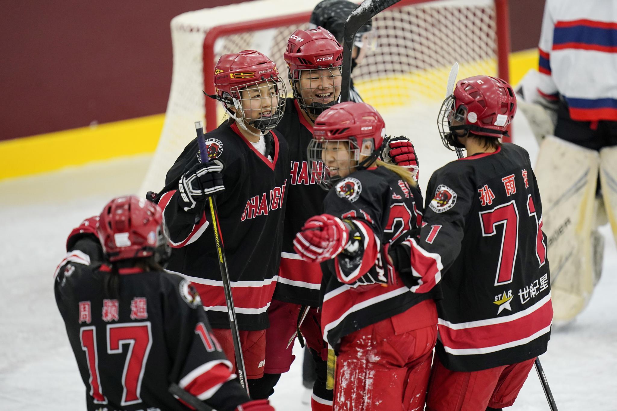 全国冰球锦标赛女子组 上海队与哈尔滨队会师决赛