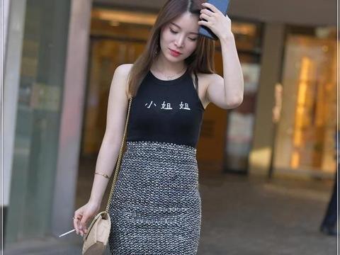 黑腰带配一步裙,款式简单大方,面料柔软舒适
