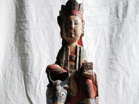 宋代观音菩萨驭牛木雕造像