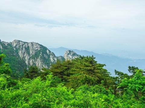 横跨鄂豫皖三省的一座山,拥有数十个景点却被说偏心,这是为啥