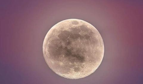 """""""迷你月球""""曾光顾地球,夜空中出现两个月亮,可惜我们看不到"""