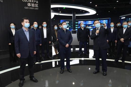 江苏省委常委张敬华调研苏宁:苏宁是民营企业创新发展的标杆