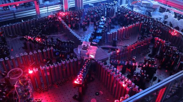 """中国首度实现""""量子霸权"""" 世界顶尖科学家这样评价"""