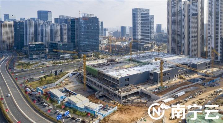 """南宁宜家家居商场项目跑出""""加速度""""预计明年5月竣工8月开业。记者 黄维业 摄"""