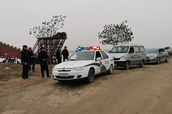 宜城市开展汉江沿岸违规垂钓专项整治行动