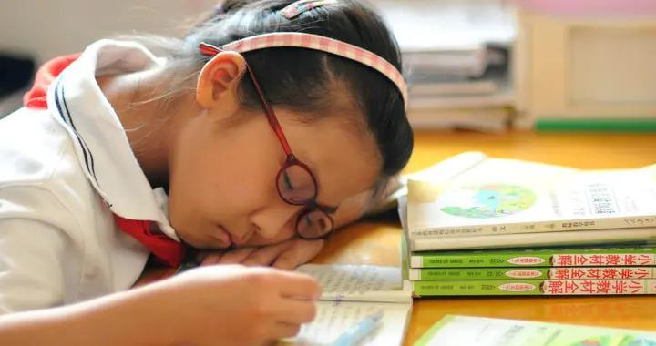 教育部:严控书面作业量,初中家庭作业不得超过90分钟