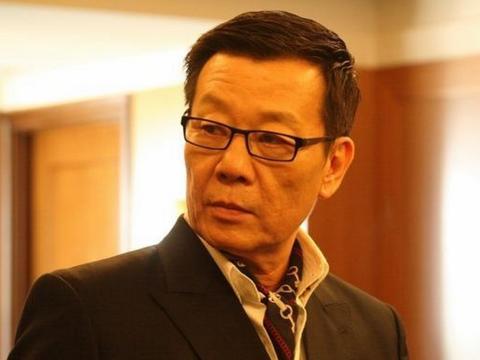 台湾演员寇世勋:娶两个老婆住上下楼,如今儿女双全家庭和睦