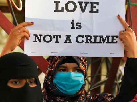 """""""爱情圣战"""":关于印度宗教信仰转换"""