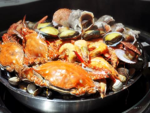 日照美食去哪里吃,这几家饭店名气大,海鲜店占比超过一半