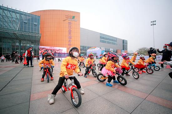 家长需求催热幼儿体育行业 要把趣味摆在首要位置