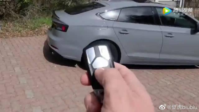 视频:按下2018款奥迪S5车钥匙,测试防夹功能那一刻才知道有多人性化!