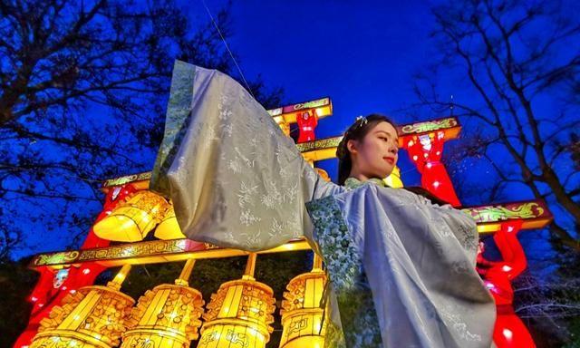 洛阳王城公园迎春灯会开始布展
