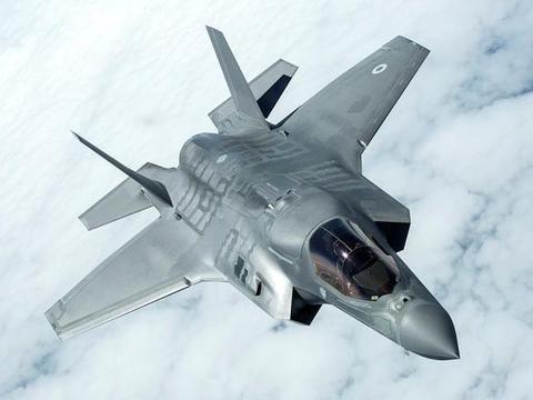 """新冠病毒不仅使32万美国人死亡,还""""干掉""""了一个中队的F35战机"""