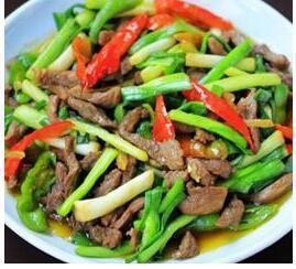 蒜苗炒羊肉、椒麻鸡、辣爆肚丝、脆瓜炒海螺